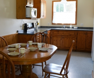 Cottage Cassie's Castle - Starting @ $306 / night based on occupancy of 4. Please contact us for availability/reservation