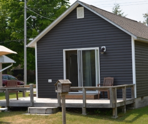 Cottage Dan's Den - Starting @ $206 / night based on occupancy of 2. Please contact us for availability/reservation