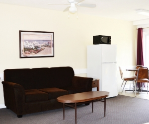 Motel Unit #5 - Starting @ $128 / night contact us for availability/reservation