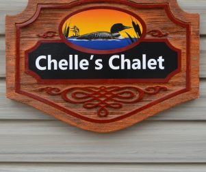 Cottage Chelle's Chalet - Starting @ $286 / night based on occupancy of 4. Please contact us for availability/reservation