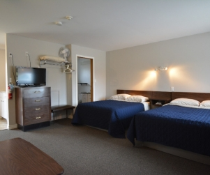 Motel Unit #3 - Starting @ $142 / night based on week day double occupancy. Please contact us for availability/reservation